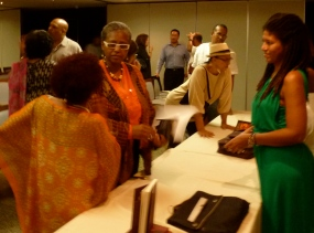 Lcda. Ana I. Rivera Lassén, Presidenta junto a Marie Ramos e Yvonne Denis