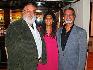 Dramaturgo Roberto Ramos Perea, Yvonne Denis y el escritor José Muratti.