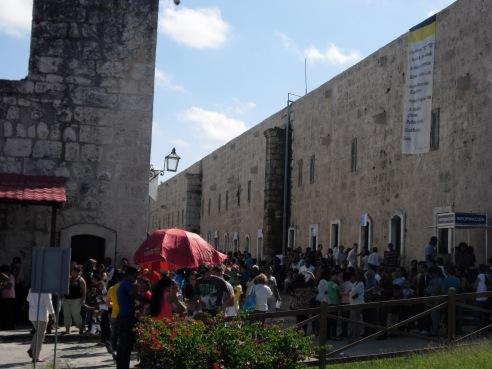 La muchedumbre en la sede de la Feria.