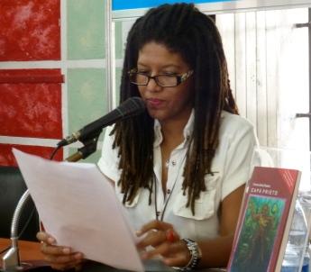 Lectura del poema Como pintan a los negros de Victorio Llanos Allende.