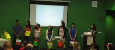 Presentación de estudiantes ganadores.