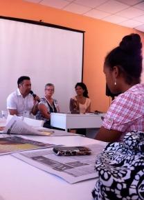 El poeta Carlos Roberto Gómez, Presidente de Isla Negra habla de Bufé y su autora.