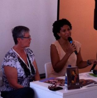 Conversando con el público de Bufé junto a la Dra. Carmen Zeta Pérez