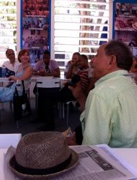 El Dr. Paulino Pérez comenta sobre Bufé.