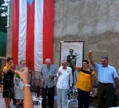 Celebrando en la Misión de Puerto Rico en Cuba el cierre del evento junto a Adelaida de Juan, Roberto Fernández Retamar, Ricardo Alarcón, Yolanda Wood, Edwin anfitrión de Misión.