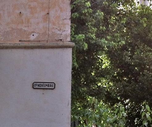 Calle 27 noviembre donde vivió Julia antes conocida como Jovellar #107.