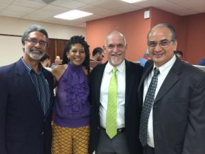 José Muratti, Presidente del PEN, Yvonne Denis, Dr. Miguel Rodríguez, Rector del Centro de Estudios Avanzados de Puerto Rico y del Caribe y el Dr. Luis López Nieves, Director de la maestría en Creación Literaria de USC.