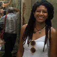 En el fondo se restaura un mosaico bizantino por una prestigiosa curadora cubana.