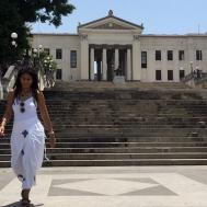 Escalinatas de la entrada principal de la Universidad de la Habana.